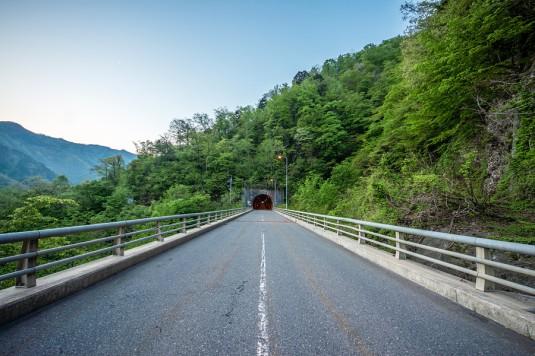 境の尾一里岩隧道