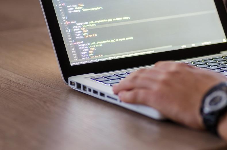 技術サイト制作に役立つ!プラグインなしでソースコードを記事内に表示できるツール3選